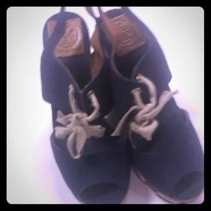 Navy Blue & Cream Tory Burch Sandals